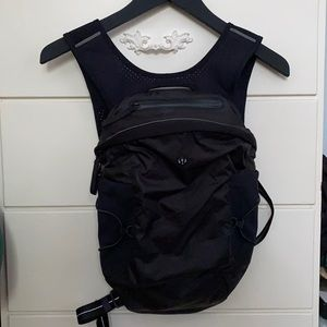 Lululemon fast and free running backpack